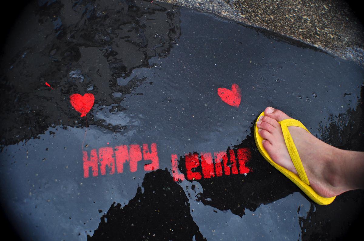 HAPPY LEONIE