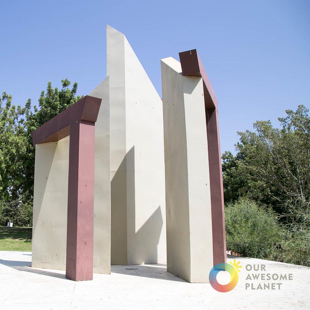 OPEN DOORS Monument Israel-14.jpg