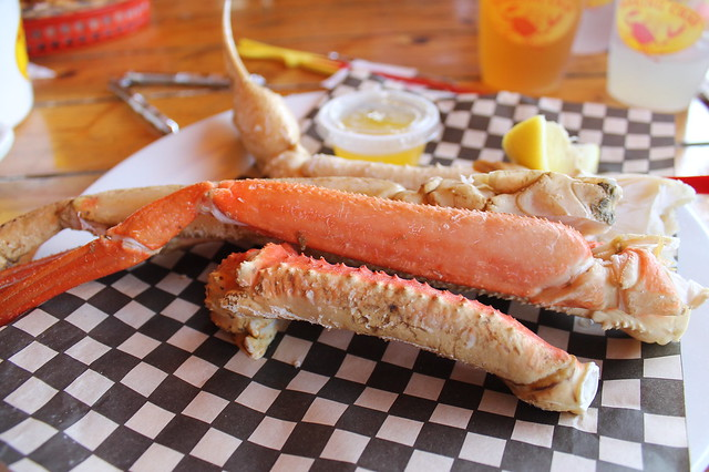 Comer en Boston: Alaskan bairdi legs, en 'Braking Crab' (Boston)