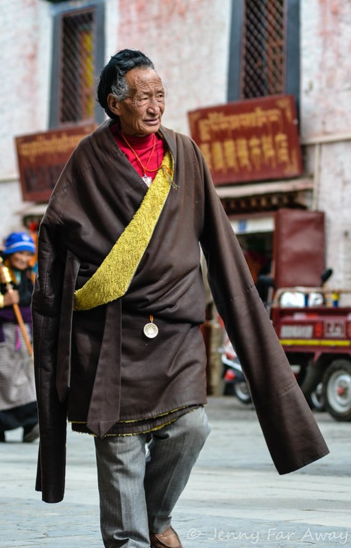 An old Pilgrim in Lhasa. I love his coat with its looooong sleeves.