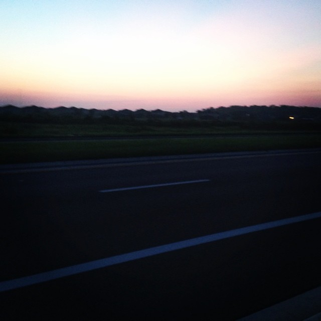 Happy Friday! What a peaceful sunrise... balancing out the crappy humidity. #seeonmyrun #wooendorphins #teamrmhc #whyamimarathontraininginthemiddleofthesummer
