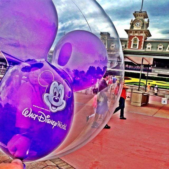 3rd time lucky!!! Finally got my #purple #mickey #balloon  #magickingdom #MK #waltdisneyworld #wdw #disney #orlando #florida #dinearounddisney2014 #tppb #day2