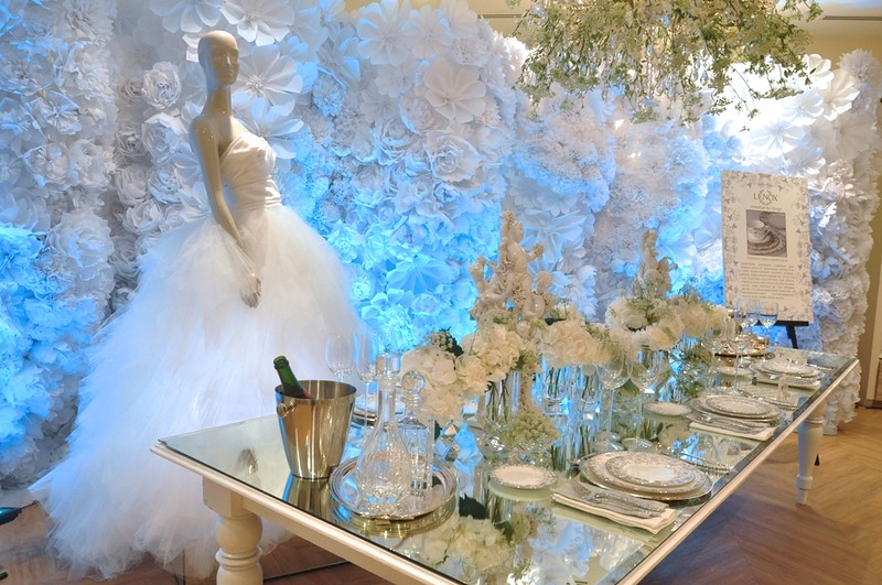 The Wedding Table Set-up featuring a wedding dress by Marchesa and the Marchesa & White House china maker goes to Rustanu0027s | Chuvaness.com