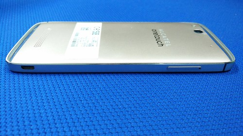 Alcatel OneTouch Idol Alpha ด้านซ้าย