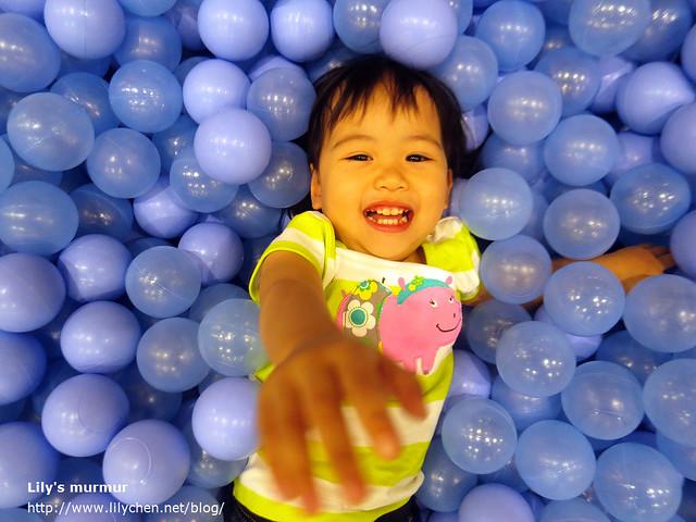 最後獻上一張美花超萌照!看她玩得有多開心!