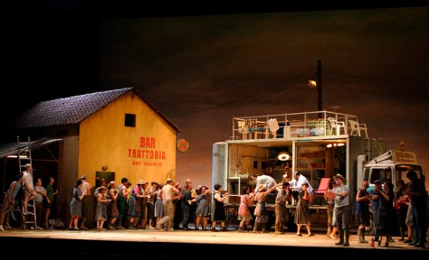 Act I of L'elisir d'amore (C)ROH/Catherine Ashmore, 2007