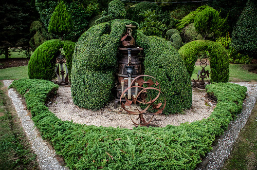 Pearle Fryer Topiary Garden-022