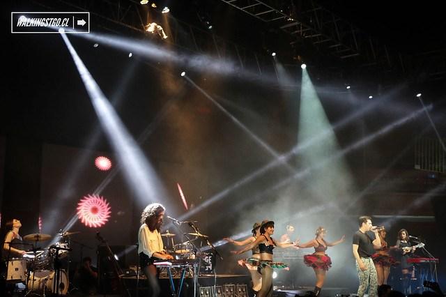 Gepe en el Teatro Caupolican de Santiago #GepeyAmigos 10 años -11.10.2014-
