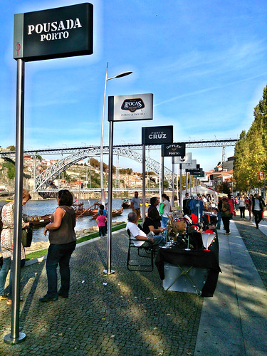 Vino de Oporto y Vila Nova de Gaia: bodegas, rabelos, teleférico, Puente Don Luis I, y visita a Bodega Ferreira.