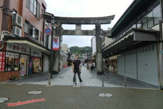 CIMG0980 En la Calle de tiendas hacia el Tenmangu (Dazaifu) 12-07-2010 copia
