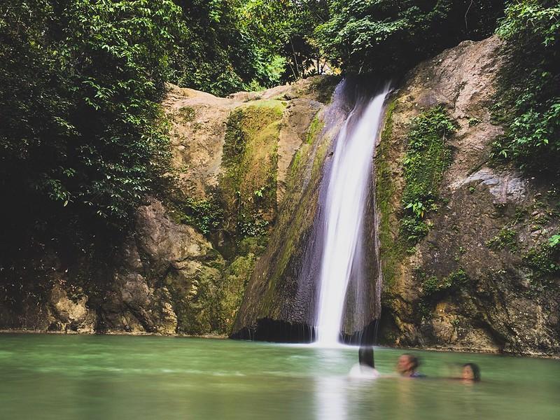 Hindang falls