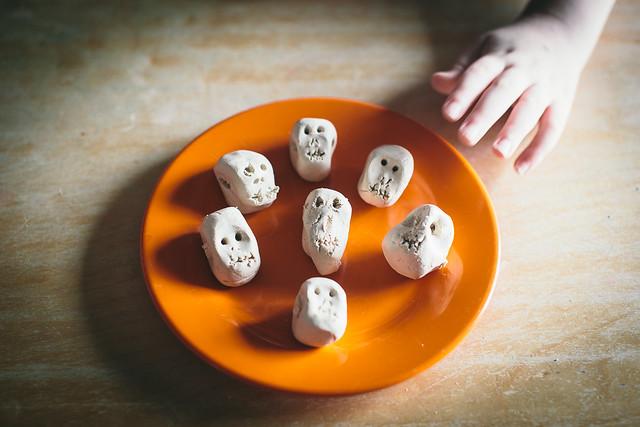 Halloween Kids Craft: Skeleton Necklace 5