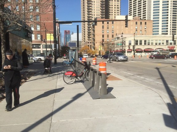 1. Roosevelt and Wabash sidewalk for @divvybikes, 2. return to original location, 3. Blackhawks bike!