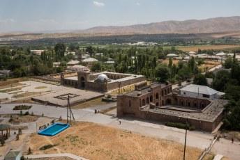 Het fort beschikt over twee madrassas.