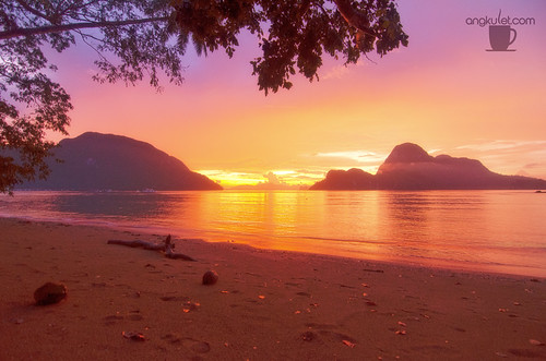 Sunset in Caalan Beach, El Nido, Palawan, Philippines