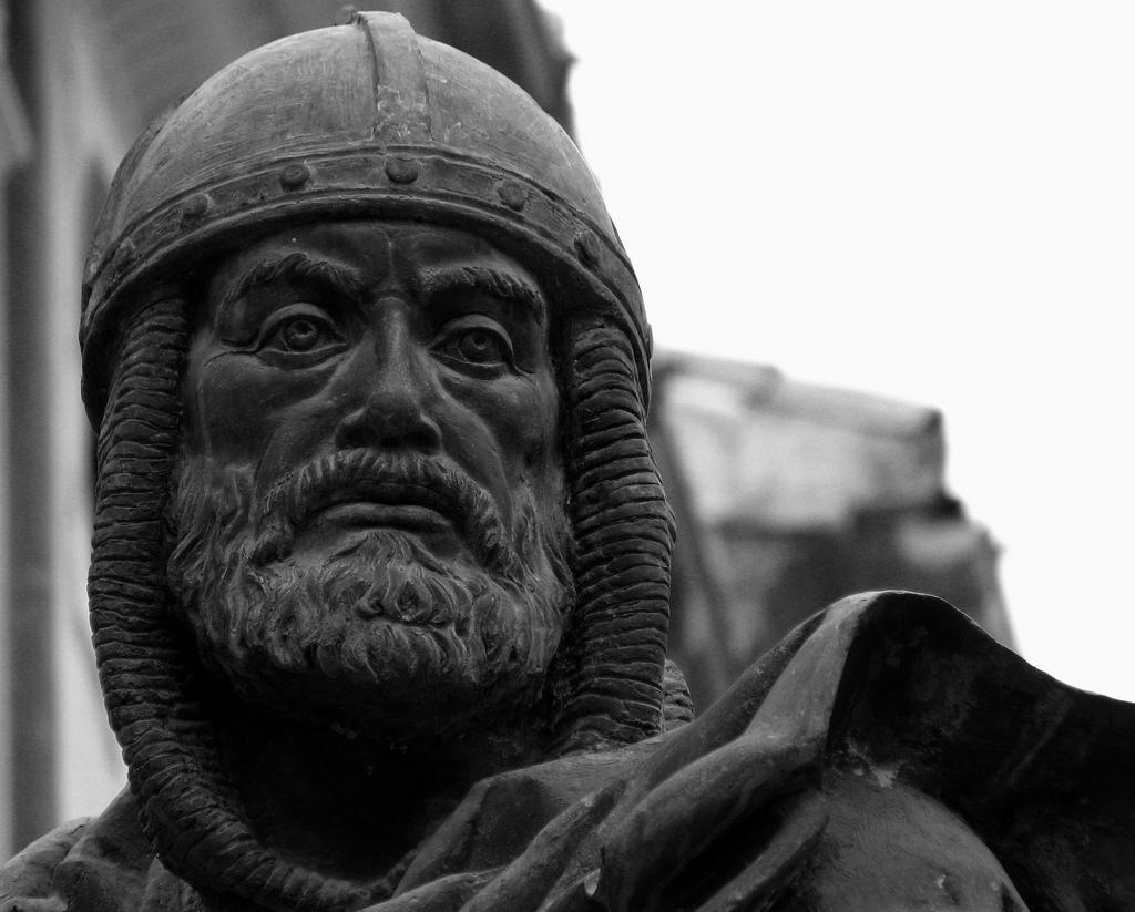 Caballero cristiano. Escultura de bronce. Obra de Pí Belda