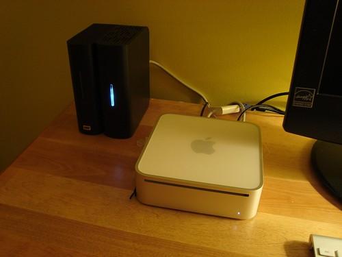 Mac mini et disques durs externes