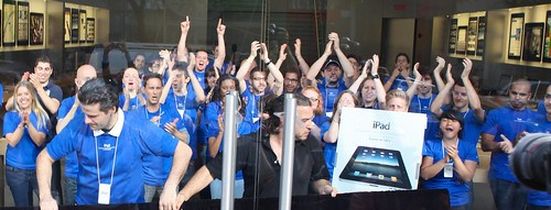 iPad Launch - Apple Store Army Cheering