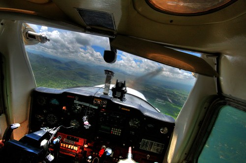 Flying in Cessna 152: HS-CMA