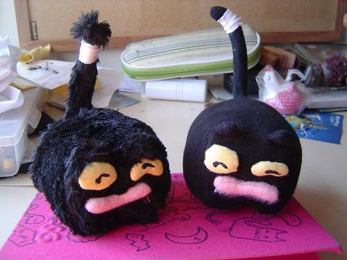 Bonecos do Froid com pêlo longo (esquerda) e pêlo curto (direita)