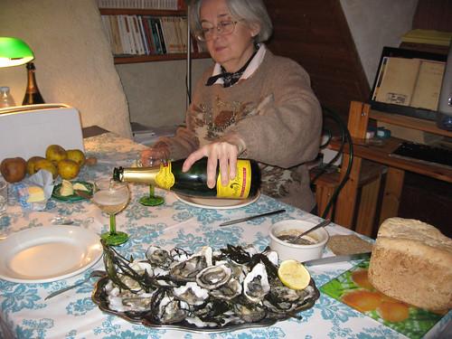 plat d'huitres et cremant de bourgogne