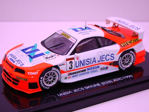 EBBRO UNISIA JECS SKYLINE R33 JGTC 1998 (2)