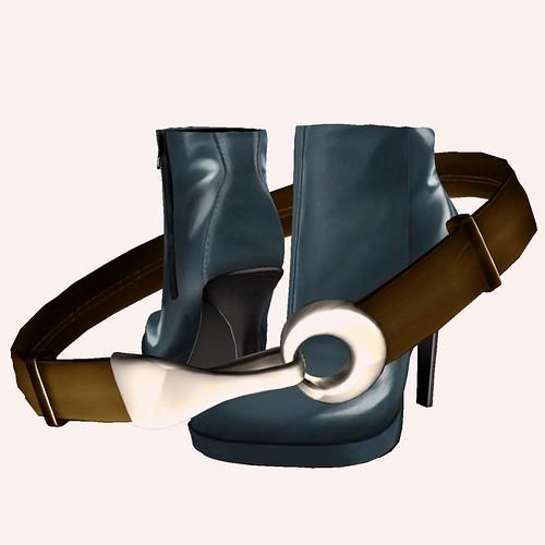 LOTD 14 Jan 2010 Boots & Belt