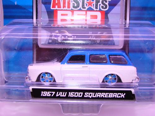 maisto 1967 vw 1600 squareback (2)