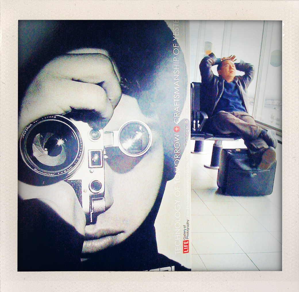 El reportero de Feininger y un turista cansado