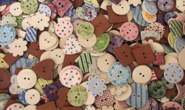 V&A buttons