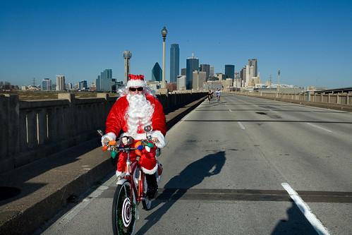 """""""Dallas Santa Ride 2009"""" by d double u"""