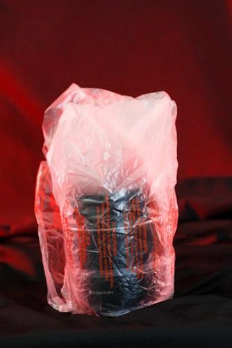 第二層是塑膠袋 =.=
