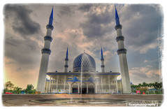 The Sultan Salahuddin Abdul Aziz Mosque in Sha...