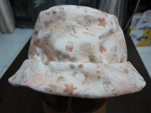 貝貝的第一頂雙面漁夫帽 (粉紅)