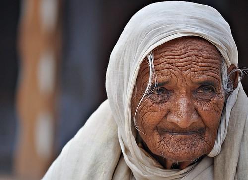 Bi - The Grandmother