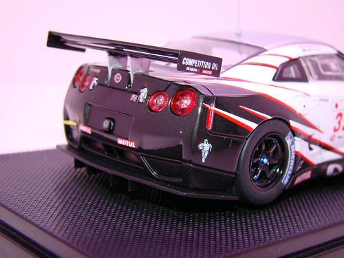 EBBRO NISSAN GT-R GT1 2009 SILVERSTONE (8)