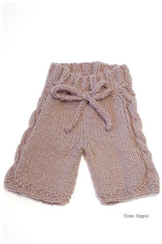 Cabled shorties