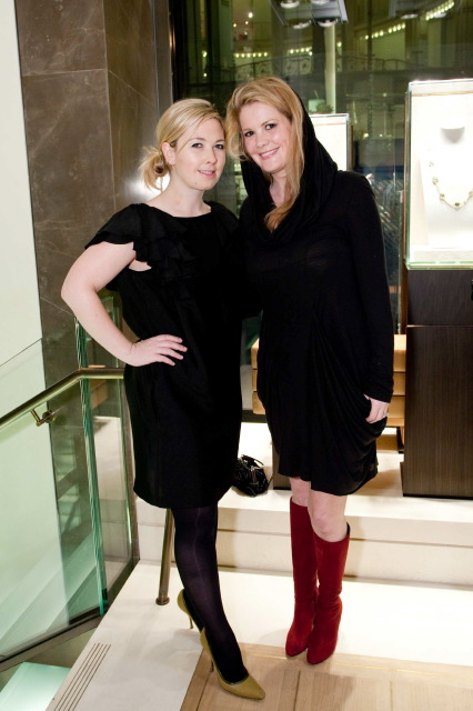 Michelle Curtis, Kelly Grimes
