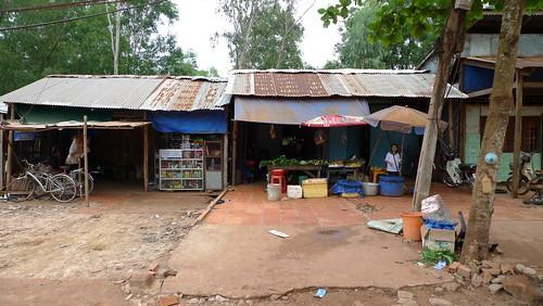 roadside market in phu quoc