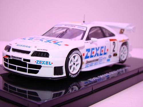EBBRO ZEXEL SKYLINE R33 JGTC 1998 (2)