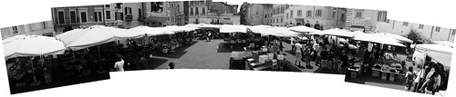 umbrellas_Panorama1-bw