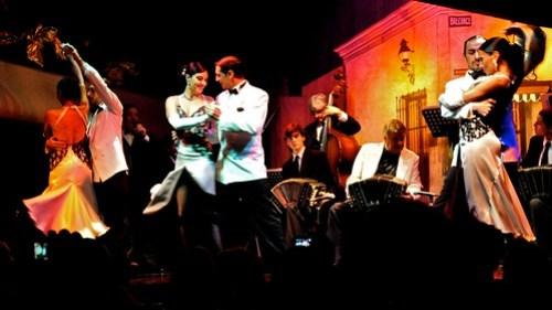 Tango Couples at the Almacen Show