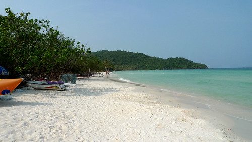 the beaches of bai sao in phu quoc