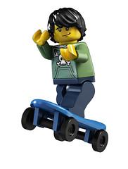 8683 Minifigures Skater
