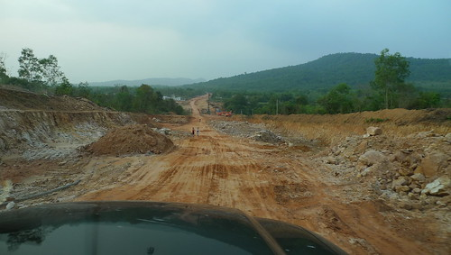 new road in phu quoc