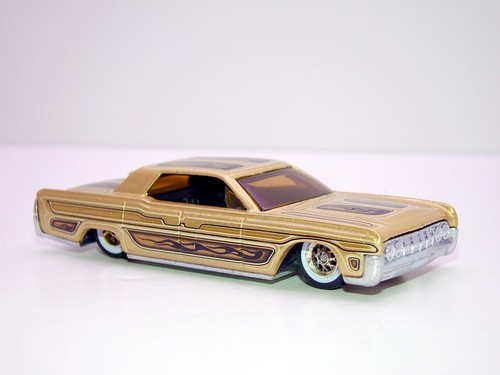 hot wheels waynes garage '64 lincoln continental (12)