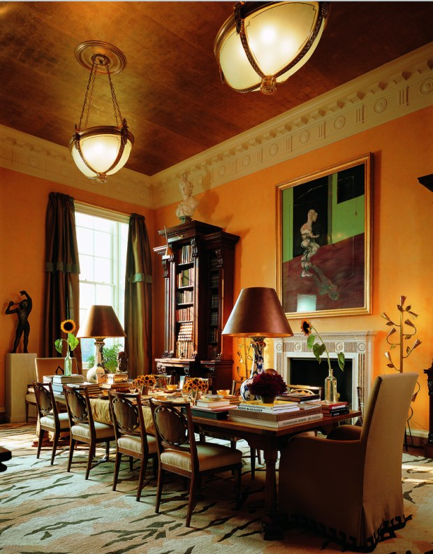 Dining room in a New York City apartment Photo: Fritz von der Schulenburg