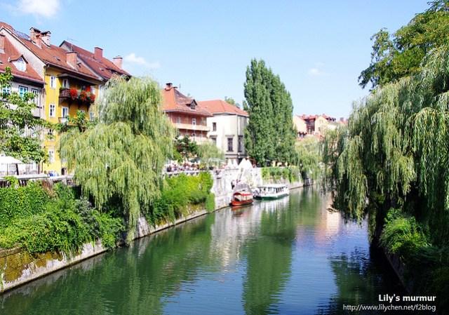 在Ljubljanica河岸,小橋流水人家,好像有點蘇杭的味道。XD