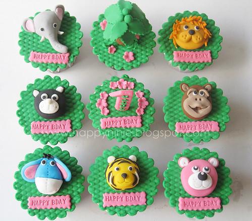 jungle/zoo cupcake