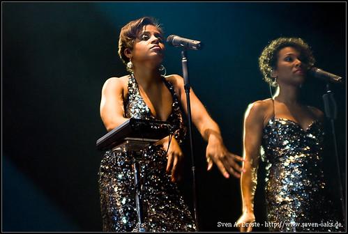 Ngoné Thiam & Myra Maud / Disko No. 1